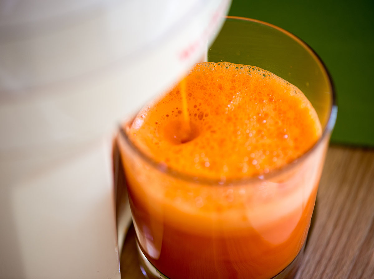 Carrot juice made wiht centrifugal juicer